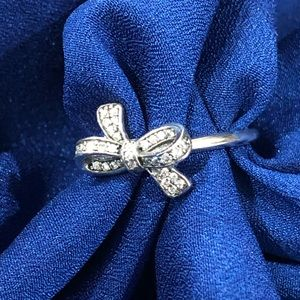 NWOT Sterling silver bow ring